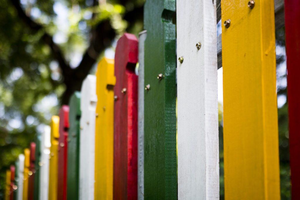 Beliebt Bevorzugt Den Zaun streichen und winterfest machen - Zaunfarbe und Zaunlasur @RF_22